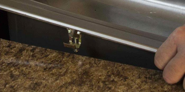 Kitchen Sink Clamp